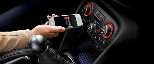 Chrysler desenvolve carregador de celular sem fio